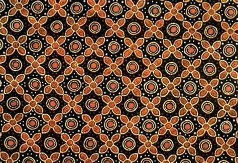 batik motif grompol dipakai  waktu batik indonesia