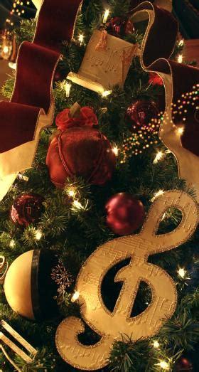 christmas tree themes lovetoknow