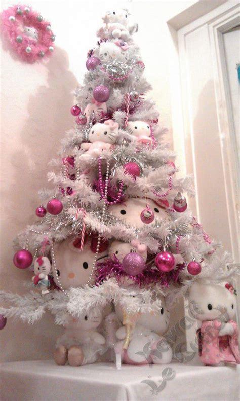 pretty christmas decor   kitty theme