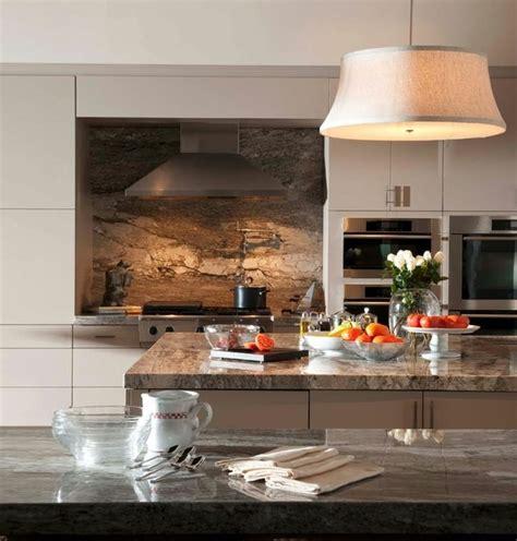 plaque marbre cuisine plaque anti éclaboussure en 20 idées trendy pour votre cuisine