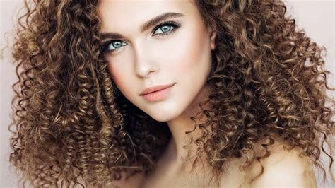 10 Hair Color Ideas For Curly Hair