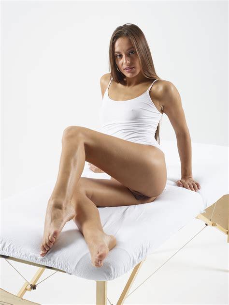 Dominika C - Pussy Petals - PornHugo.Com