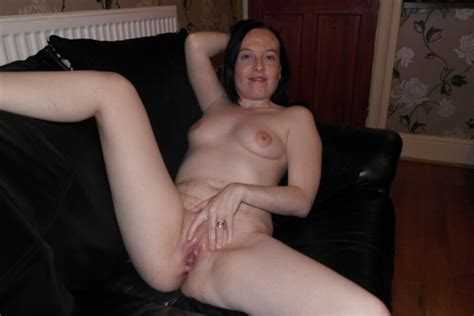 Sheffield Slag Naked Showing Her Cunt Mature Porn Photo