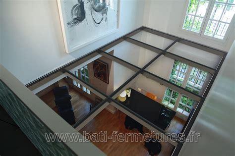 plancher en verre bati fermetures normandie plancher de verre escalier d 233 coratif particulier fenetres et