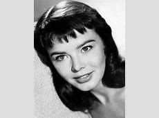 Avengers in Time 1972, Deaths British actress Janet