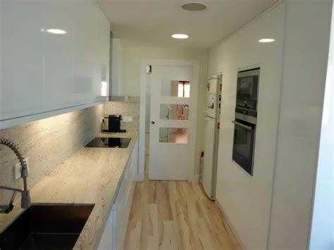 foto cocina puerta corredera tarima meister de puertas