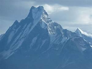 Machapuchre - Picture of Annapurna Mountain Range ...