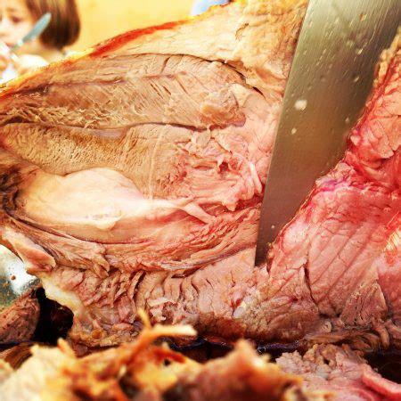 cuisiner un gigot de chevreuil gigot de chevreuil mariné recette marcia 39 tack