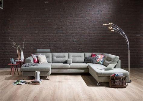canapé molletonné aménager salon avec convivialité grâce au canapé d 39 angle