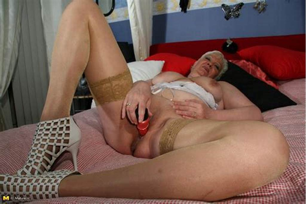 #Kinky #Mature #Kim #Gets #Wild #On #Her #Bed