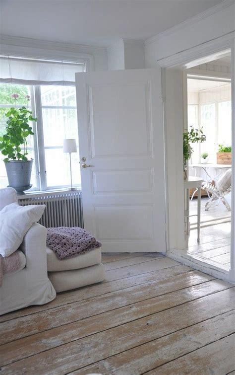 shabby chic flooring ideas 45 cozy whitewashed floors d 233 cor ideas digsdigs
