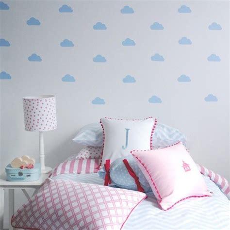 muursticker wolkjes leuk voor de babykamer