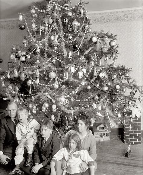vintage photographs predating 1920