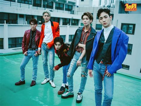 SHINee's lyricist apologizes for her