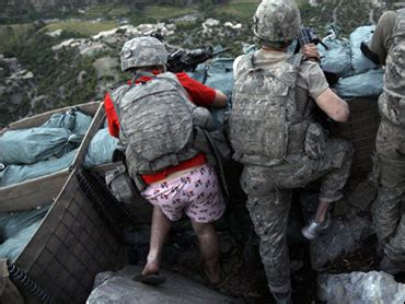 defense chief hails soldier  pink boxers cbs news