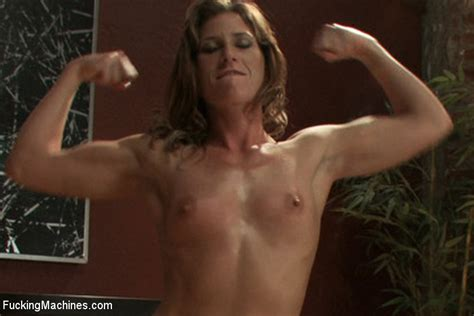Muscle Bound Babe Ariel X Takes Down The Fuckingmachines