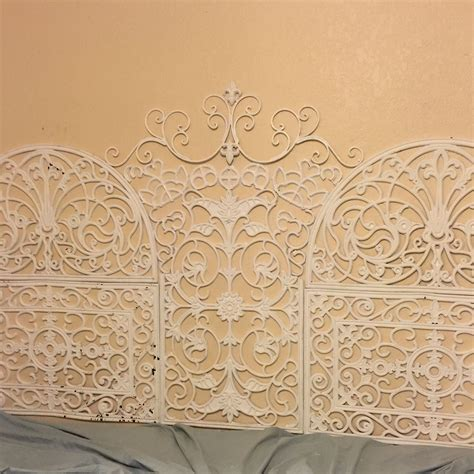Rubber Doormat Headboard by Rubber Door Mats Turned Into A King Size Headboard For