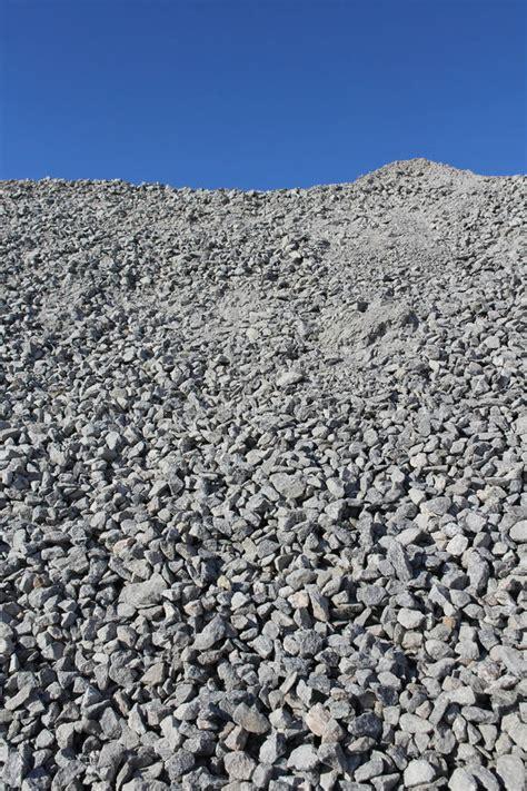 cava di ghiaia ghiaia alla cava di pietra fotografia stock immagine di