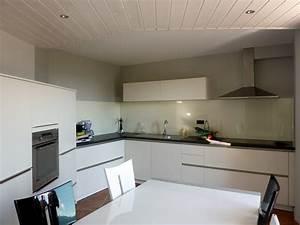 Decoration pour cuisine inspirations avec deco cuisine for Deco cuisine avec chaise blanche cuisine