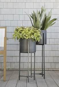 Porte Plante Interieur Design : porte plante et support pot de fleur int rieur de style moderne verdure pinterest porte ~ Teatrodelosmanantiales.com Idées de Décoration