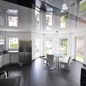 Beleuchtung Decke Wohnzimmer : spanndecke wei hochglanz wohnzimmer decke renovieren beleuchtung licht einrichtung ~ Sanjose-hotels-ca.com Haus und Dekorationen