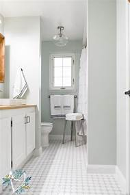 modern farmhouse bathroom design - Joanna Gaines Bathroom