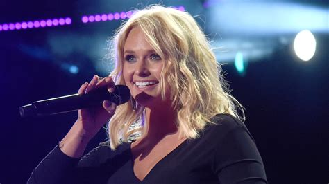 miranda lambert fan club miranda lambert accepts fan s marriage 39 proposal 39 with