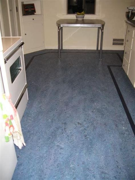 lino kitchen flooring linoleum floors and countertops brighten up dave frances 3812