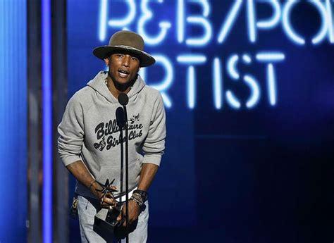 Pharrell Williams Triunfa En Los Premios Bet
