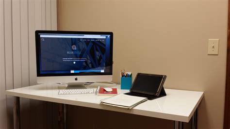 macbook bureau dans les bureaux de 16 quot workers quot atelier