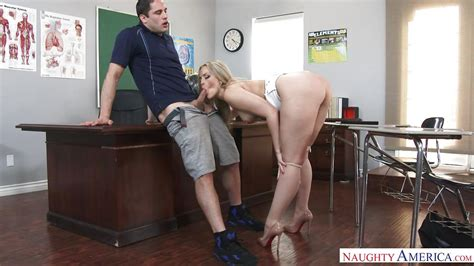 Alexis Texas Damon Dice In She Keeps Them Interested In