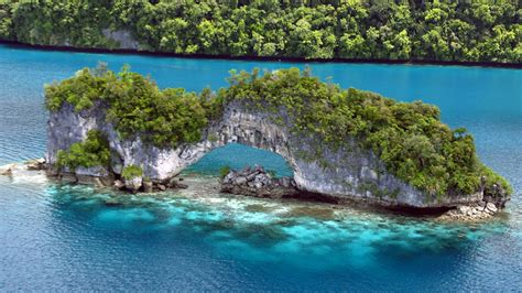 micronesia south pacific island travel