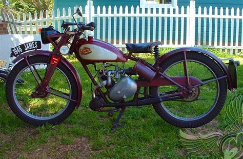 1946 James Motorcycle With Villiers 9d 122cc Single