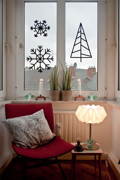 Fensterdeko Weihnachten Diy by Weihnachtliche Diy Fensterdeko Aus Maskingtape
