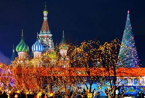 how do people celebrate programmer day in russia how russians celebrate new year holidays kremlin tour