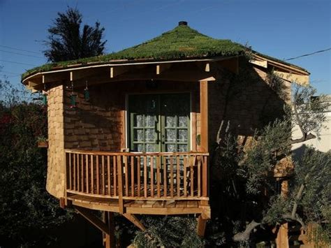 'Treehouse Masters' explores creations around country