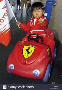 Bobby Car Ferrari : ferrari and clothes stockfotos ferrari and clothes ~ Kayakingforconservation.com Haus und Dekorationen