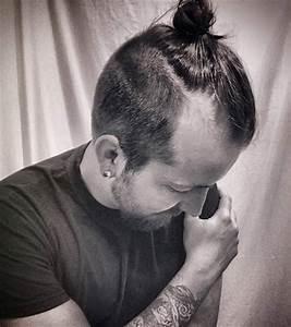Man Bun And Top Knot Hairstyles FAQ Guide Man Bun Hairstyle