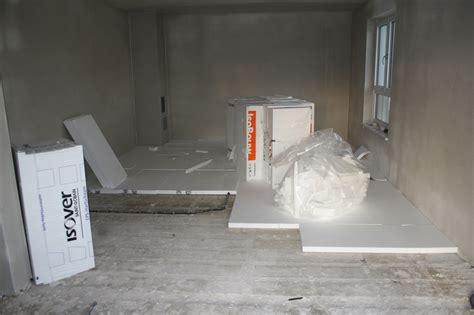 Die Dämmung Unter Der Fußbodenheizung Wird Eingebaut