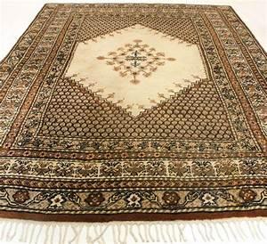 beau tapis oriental tapis berbere 245x340cm fait en With tapis berbere avec canapé assise ferme