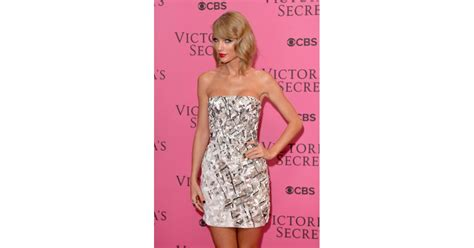 Sexy Taylor Swift Pictures | POPSUGAR Celebrity UK Photo 39