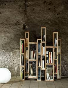 Bibliothèque Livre De Poche : diy une biblioth que design avec des palettes floriane lemari ~ Teatrodelosmanantiales.com Idées de Décoration