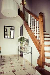 entree grise photo entree grise ideesmaisoncom With decoration escalier en bois