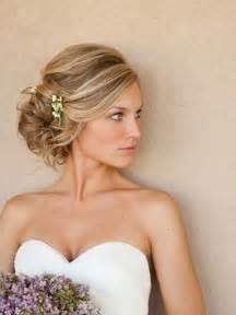 wedding hair for medium hair bridesmaid hairstyles for hair bridesmaid updos for globezhair