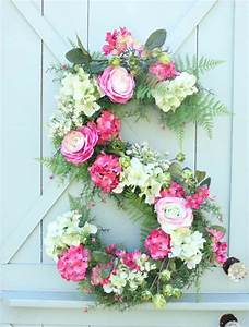 34 brilliantly clever diy projects with monograms With fresh flower letters