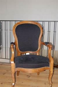Fauteuil Style Voltaire : fauteuil cabriolet de style louis philippe photo de realisations voltaire et cie ~ Teatrodelosmanantiales.com Idées de Décoration