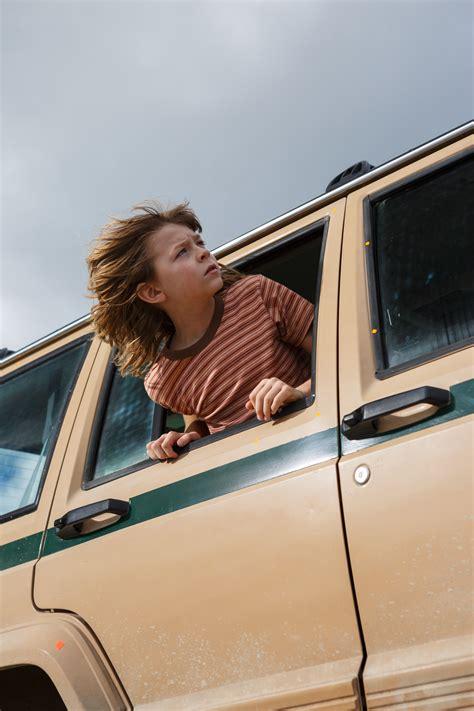 petes dragon  trailer lets  disney classic soar