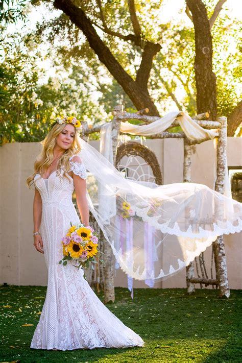 backyard wedding dress ideas best 25 backyard wedding dresses ideas on