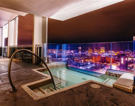 las vegas hotels  private balconies  worlds