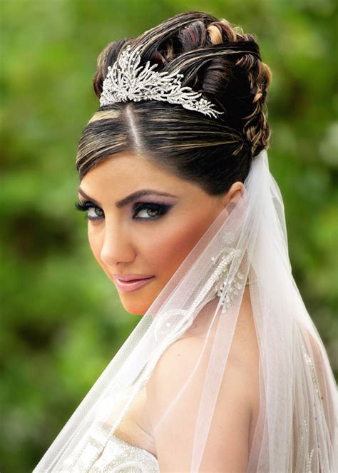 bride hair styles  long hiar  veil
